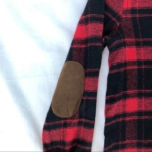 Tops - Red flannel long sleeve shirt